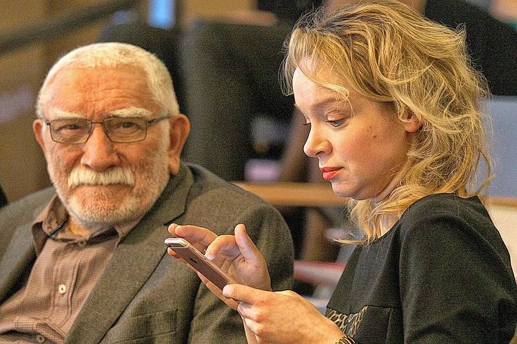 Татьяна Власова простила мужа за то, что он ушел от нее к Цымбалюк-Романовской.