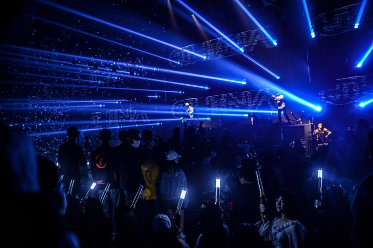 ROSTANY выступали как приглашенные звезды в китайских клубах на несколько тысяч посетителей, но теперь все массовые заведения в стране закрыты. Фото: Личный архив