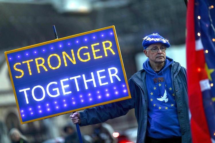 """Противники Брексита уверены: Британия и ЕС """"Сильнее вместе""""."""