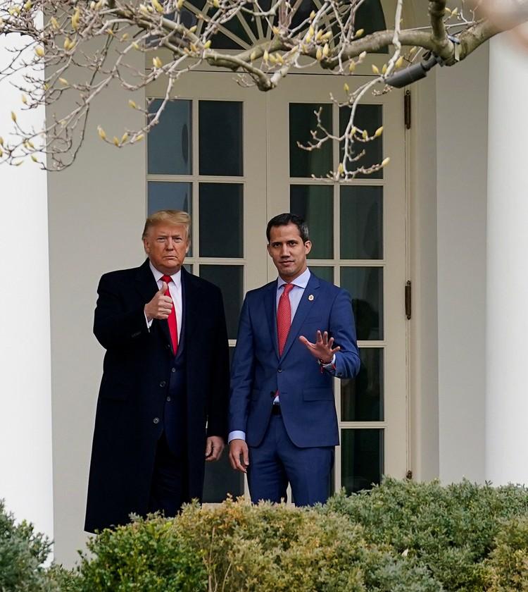 Трамп и Гуайдо перед началом переговоров в Белом доме.