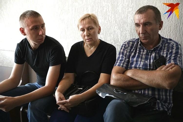 В суде родные убитой учительницы хотели понять мотивы подростка, но ответов для себя так и не нашли