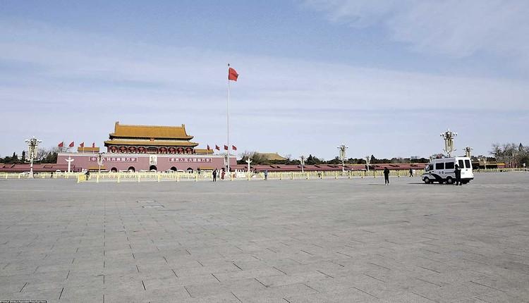 Из-за эпидемии коронавируса, охватившего КНР, улицы и площади Пекина пустеют (фото - февраль 2020 года).