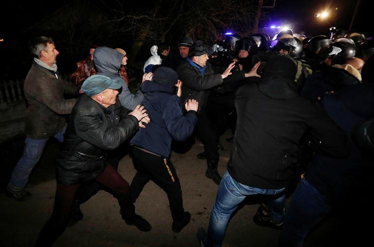Украинцы готовы рвать друг друга на части