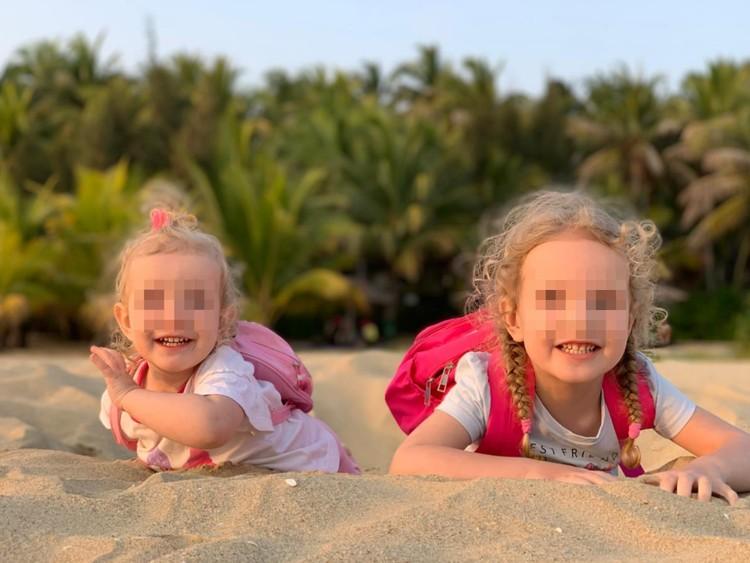 Девочки с родителями вернулись в Екатеринбург в начале февраля. Фото: соцсети