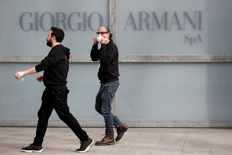 Шоу Джорджо Армани пройдет без зрителей