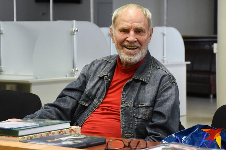 Анатолий Заболоцкий презентовал в Минске книгу о Шукшине, где есть страницы и о Короткевиче, Турове, Быкове.