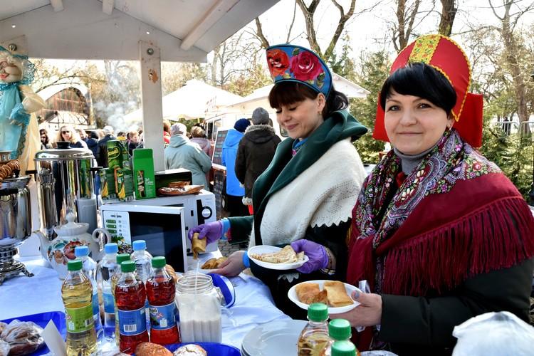 Горожане собрались на праздник в Гагаринском парке