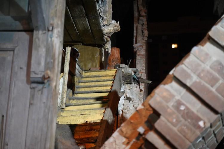 Кирпичная стена не являлась несущей конструкцией дома