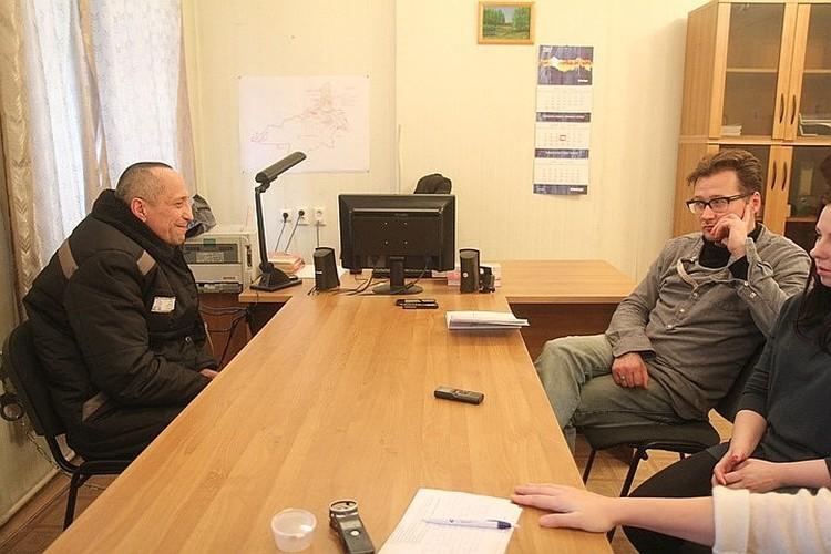 Декабрь 2017 года. Попков во время встречи с продюсерами и сценаристами сериала.