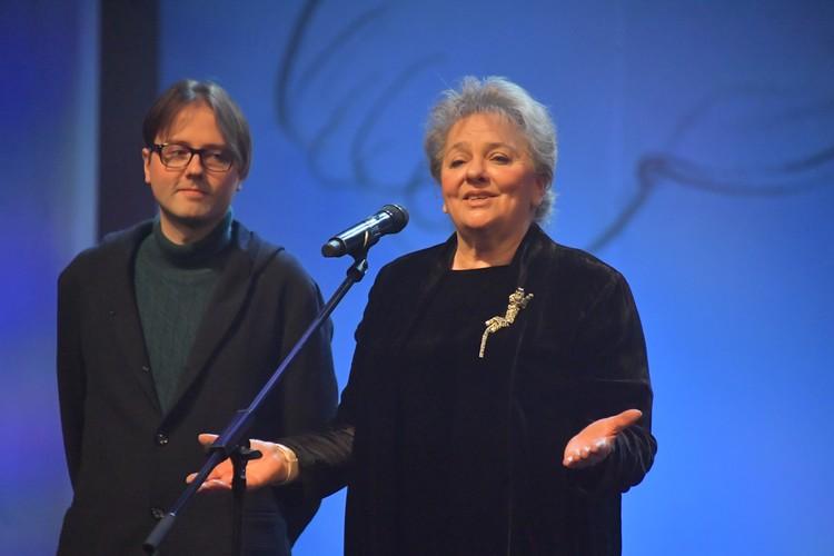Вице -президент фестиваля Мария Зверева и председатель отборочной комиссии Борис Нелепо посетовали, что коронавирус внёс коррективы в киносмотр.