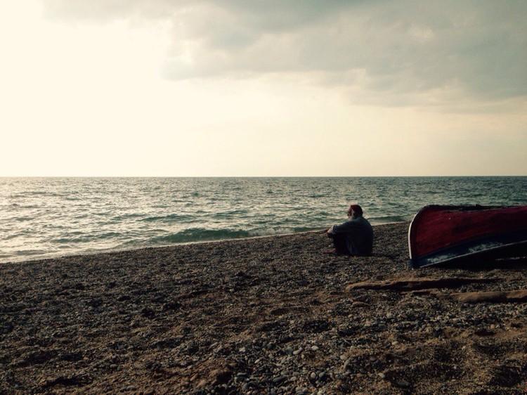 Залим и море... Фото: из архива Залима Мирзоева
