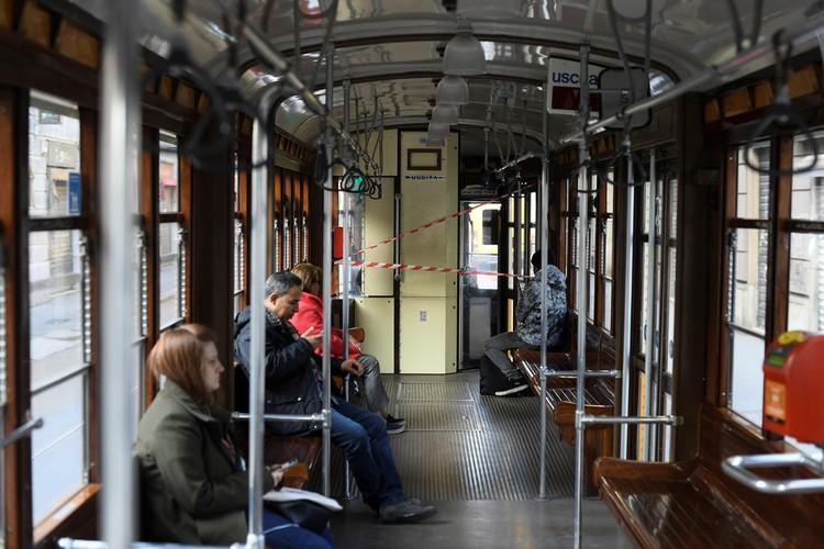 В транспорте непривычно мало народу