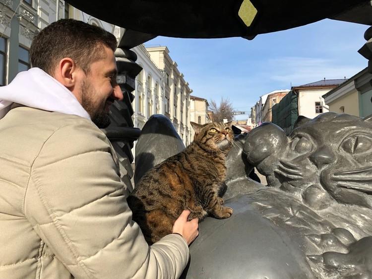 Виктор уже стал неофициальным символом борьбы за права животных в России.