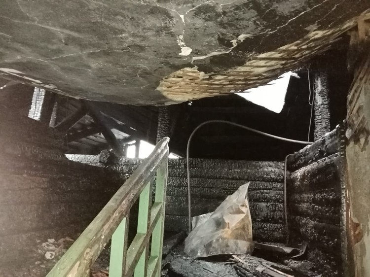 В доме на Авангардной сгорели перекрытия