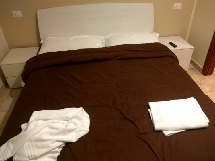 Наша кровать в отеле