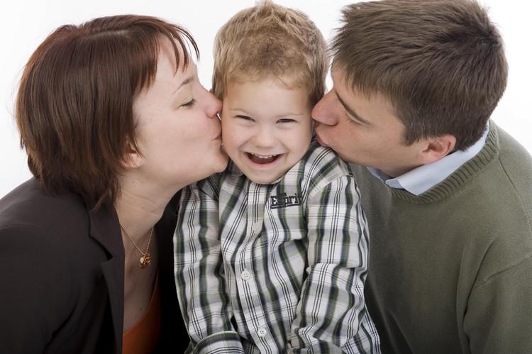 Поговорите с ребенком о причине его страхов и обязательно скажите, что любите его.