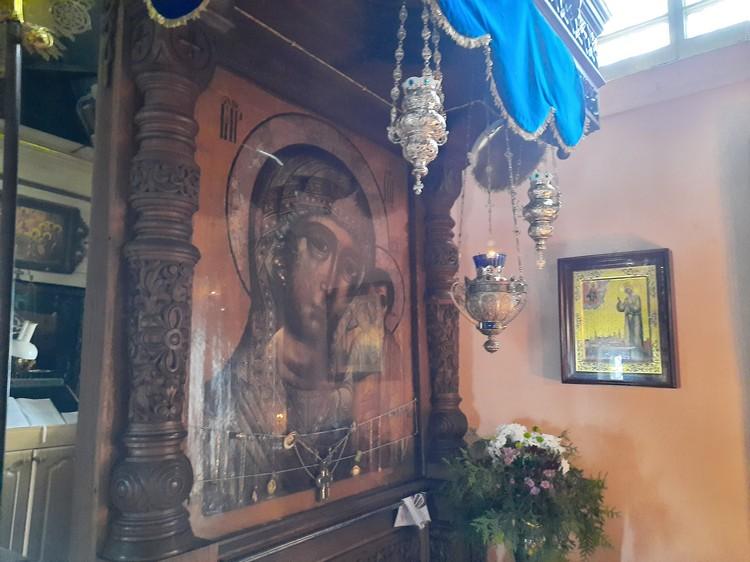 Казанская икона Божией Матери сейчас хранится в храме Всемилостивого Спаса