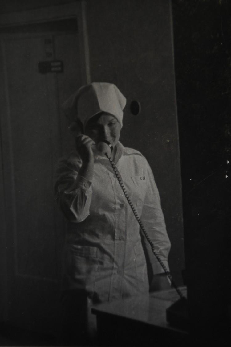 В день, когда стали привозить пациентов с сибирской язвой, медсестры гастроэнтерологического отделения обзвонили всех родственников плановых пациентов, чтобы освободить палаты. Фото: из личного архива Татьяны Серегиной