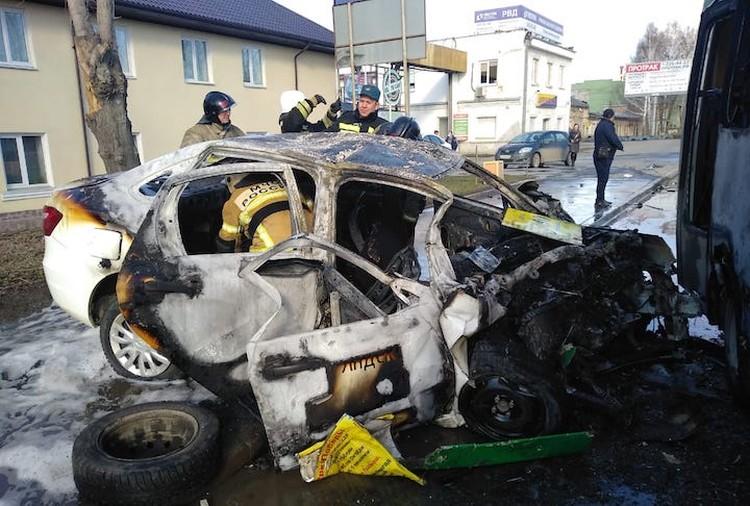 Водитель такси уснул за рулем из-за усталости. Фото: пресс-служба ГИБДД по Екатеринбургу.