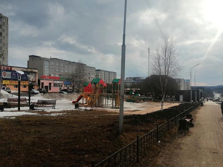 Детскую площадку очистили от мусора. Фото: соцсети.