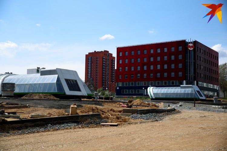 Административное здание метрополитена у одного из выходов станции.