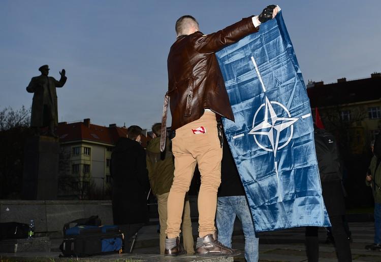 Декабрь 2019 года. Манифестация у памятника маршалу Коневу в Праге