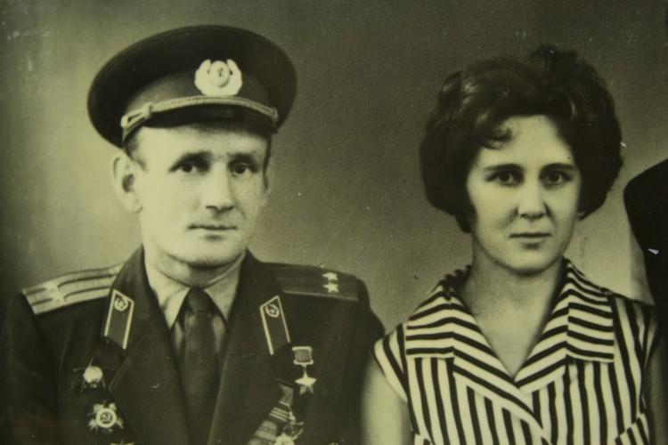 Степан Неустроев с женой. Из семейного архива