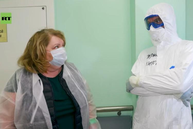 """Когда приехала съемочная группа, Светлана Максимова еще была в больнице. Фото: кадр из фильма """"Выжить после ИВЛ""""/https://www.youtube.com/watch?v=Sd9Fqva1QQY"""
