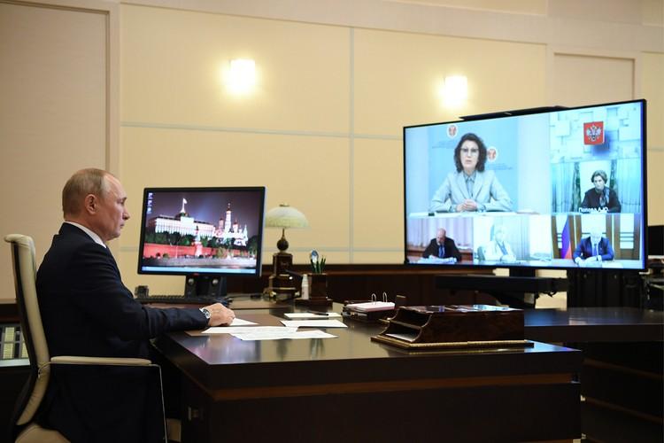 Глава ЦИК предложила растянуть голосования на 7 дней и раздать всем одноразовые ручки. Фото: Алексей Никольский/ТАСС