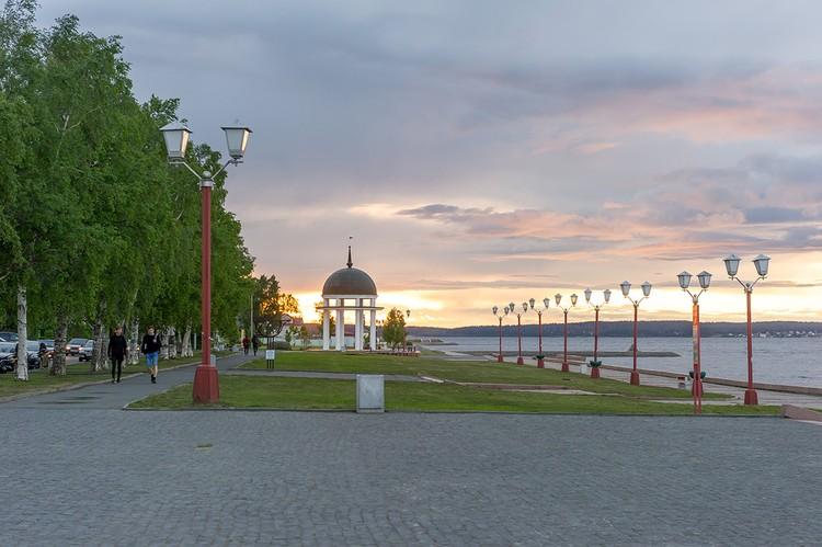 Петрозаводск. Ротонда на Онежской набережной.