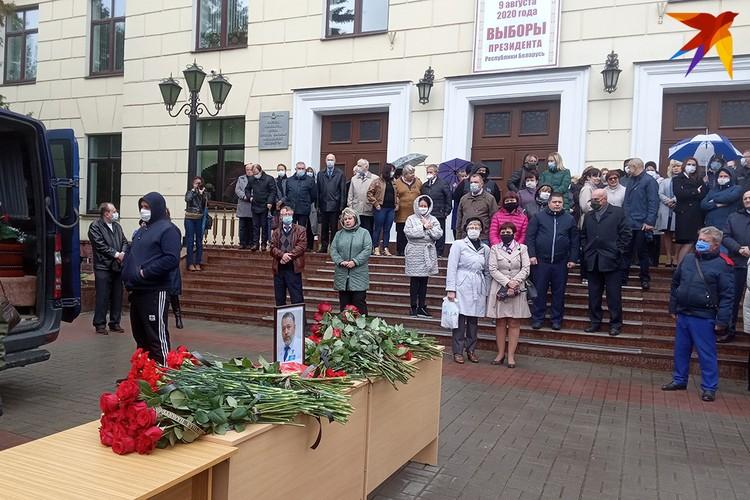 Проститься с Владимиром Куницким пришли коллеги, друзья, ученики, пациенты.
