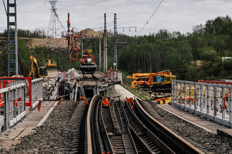 Поезда пустят по резервной ветке. Фото: Ruslan Tulupov