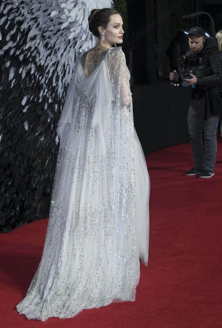 """Джоли на премьере фильма """"Малефисента: Владычица тьмы"""""""