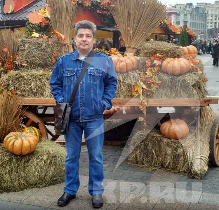 Водителем фургона оказался 57-летний Сергей Захаров