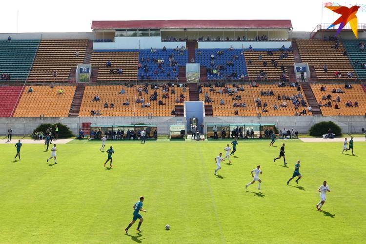 На матче присутствовало 254 зрителя.