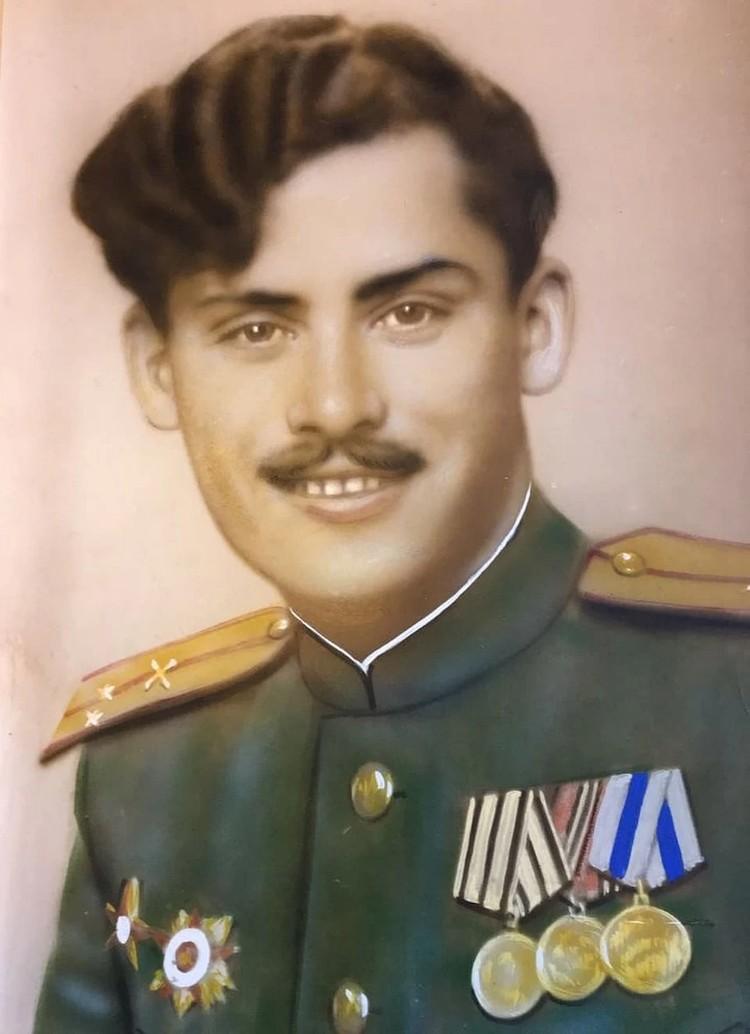 Григорий Голинский в 1945 году. Таким его и увидела спасенная из концлагеря Надежда. Фото: из архива Григория Голинского