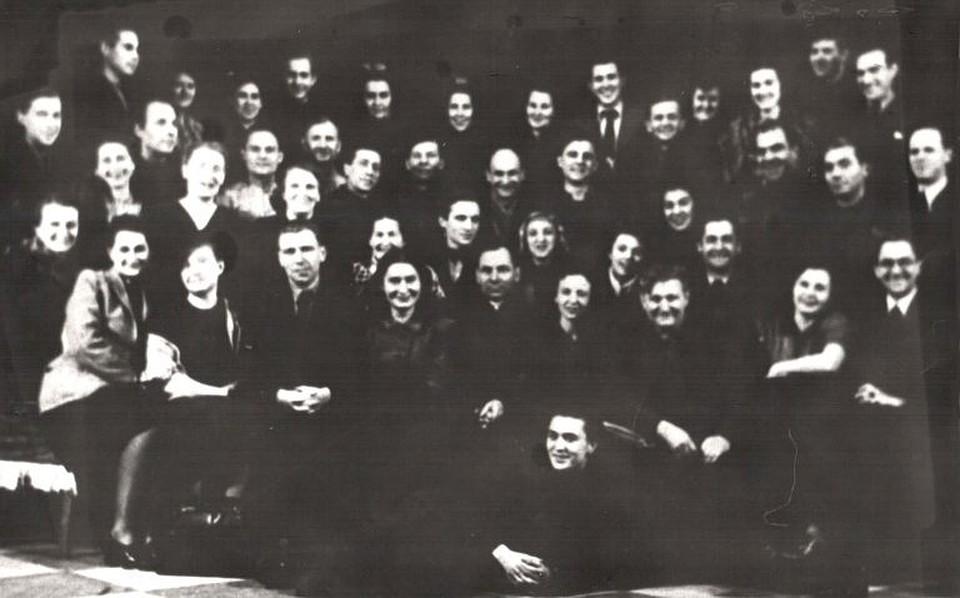Труппа Гродненского драмтеатра в 1947-м. Фото: Архив Гродненского областного драматического театра