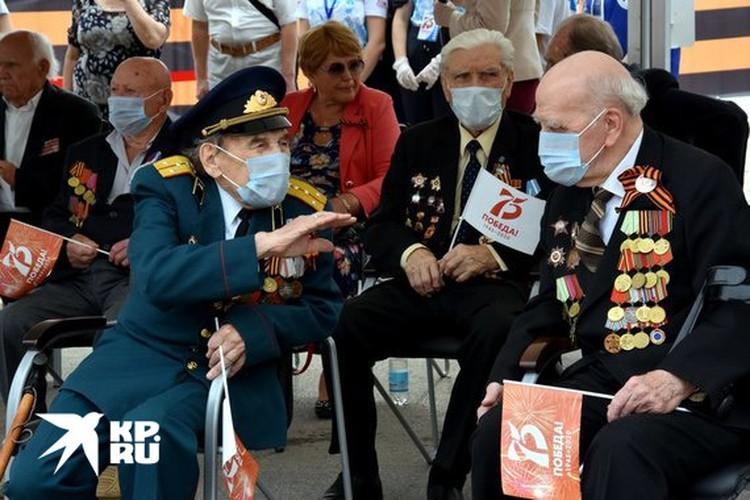 Ветераны на Параде Победы в Симферополе.
