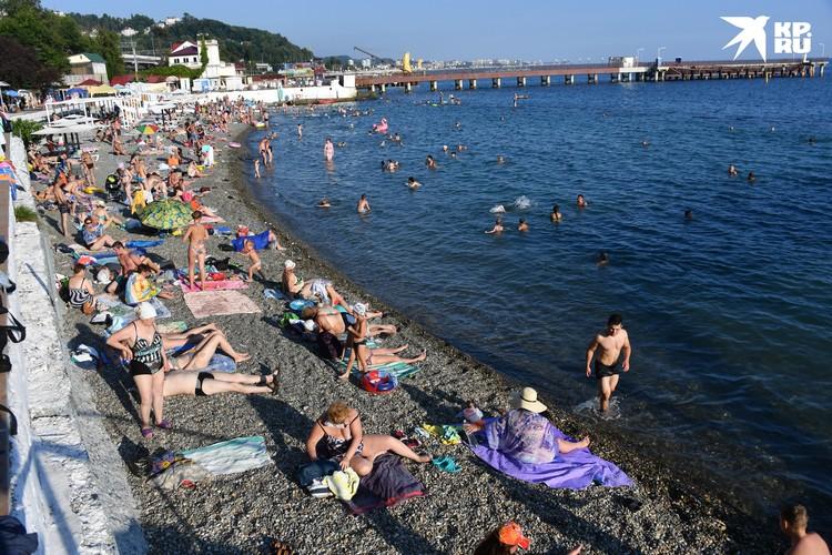 На Черном море уже ждут туристов со всей страны.