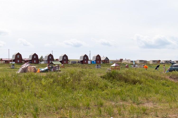 Четыре самых популярных места в Хакасии: озеро Беле - здесь можно заказать домик на базе отдыха или разбить палатку