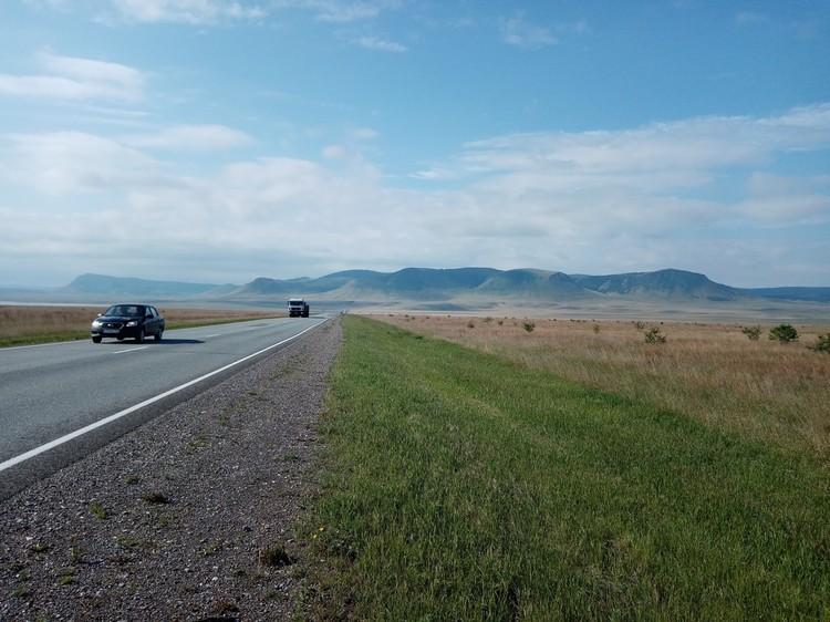 Дорога из Красноярского края в Хакасию: степи республики - уже сами по себе достопримечательность, оставляющие неизгладимые впечатления