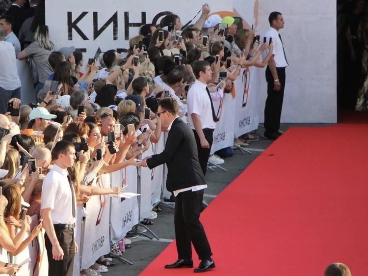 Напомним, что в 2019 году в рамках основного конкурса тридцатого юбилейный кинофестиваля были представлены 15 картин.