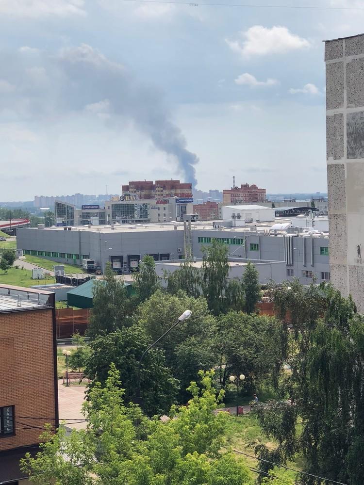 Оказалось, На территории военной части происходило контролируемое сжигание мусора. Фото: Денис Гришкин