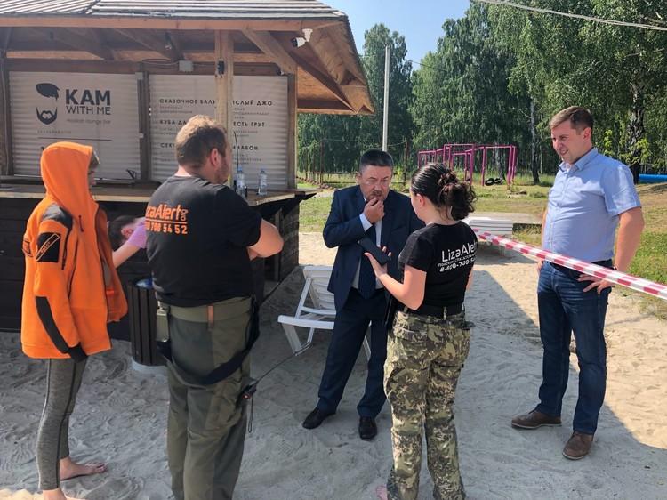 На место происшествия приехал детский омбудсмен по Свердловской области Игорь Мороков.