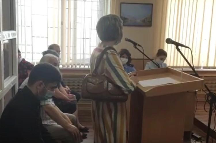 Свидетель произошедшего Светлана рассказала на суде, что из машины обвиняемый вышел один