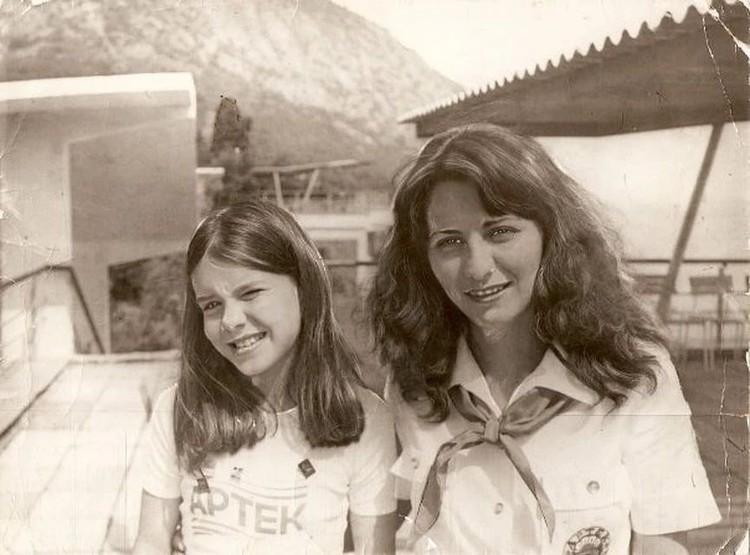 Саманта Смит с вожатой Ольгой Сахатовой. Фото: личный архив Ольги Волковой (Сахатовой)