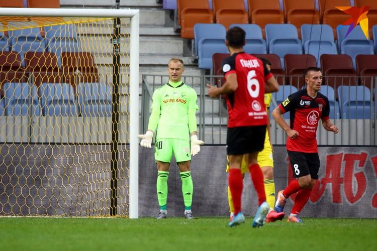 В матче с мозырянами место в воротах занял Денис Щербицкий.