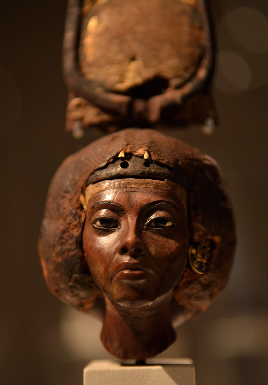Голова статуи царицы Тейе, бабушки Тутанхамона. 14 в. до н.э. Берлин, Египетский музей. Фото: Виктор Солкин