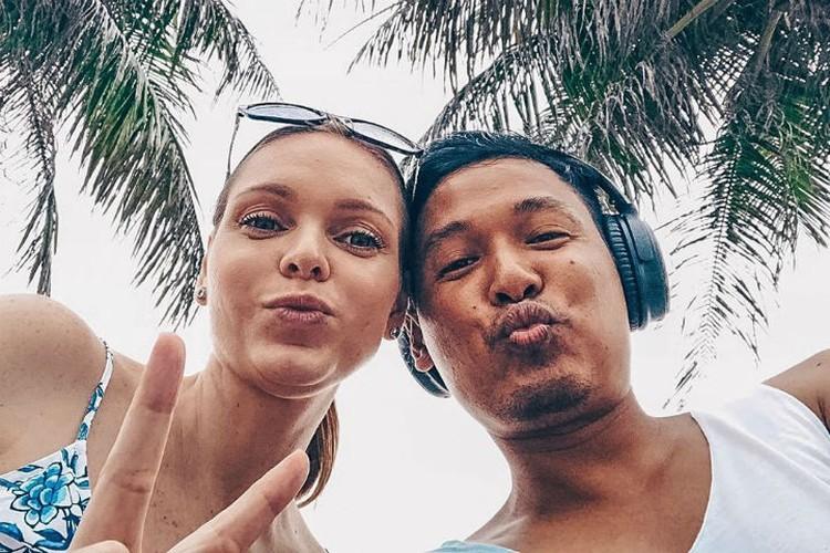 Мила и Тэн после возвращения в Таиланд. Фото: личный архив Милы Янковки