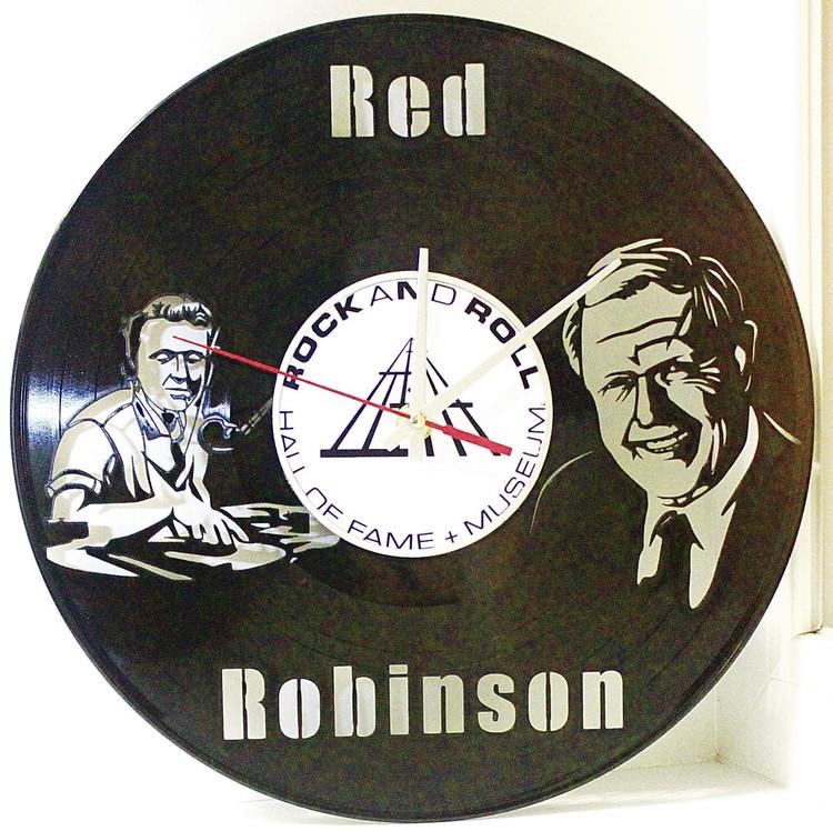 Часы для легендарного диджея из Канады Роберта Робинсона.